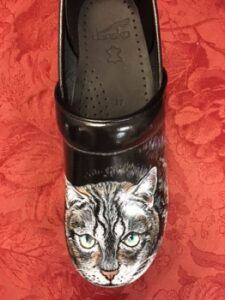 LIMITED EDITION DANSKO HAND PAINTED PROFESSIONAL CLOG: CAT